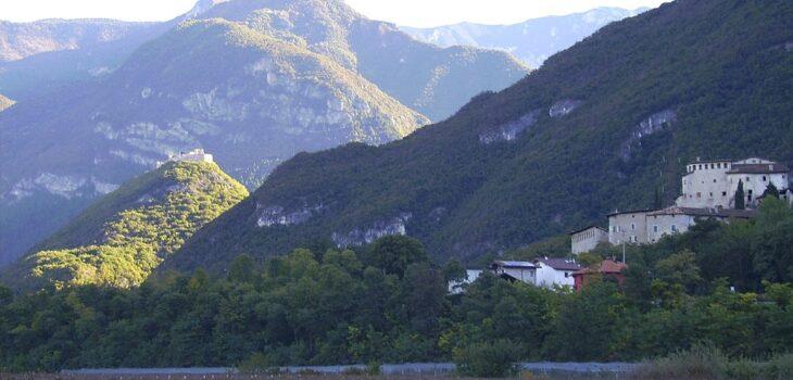 Castel Beseno e Castel Pietra, Vallagarina